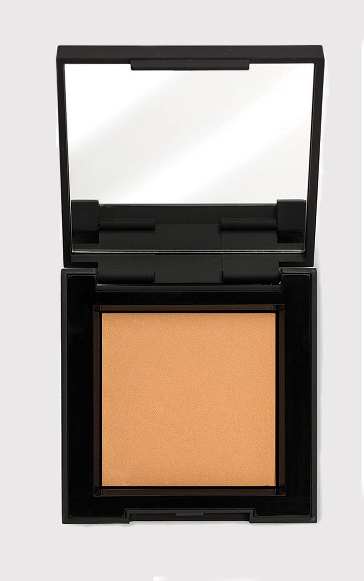 High Definition Beauty Light/Medium Bronzer