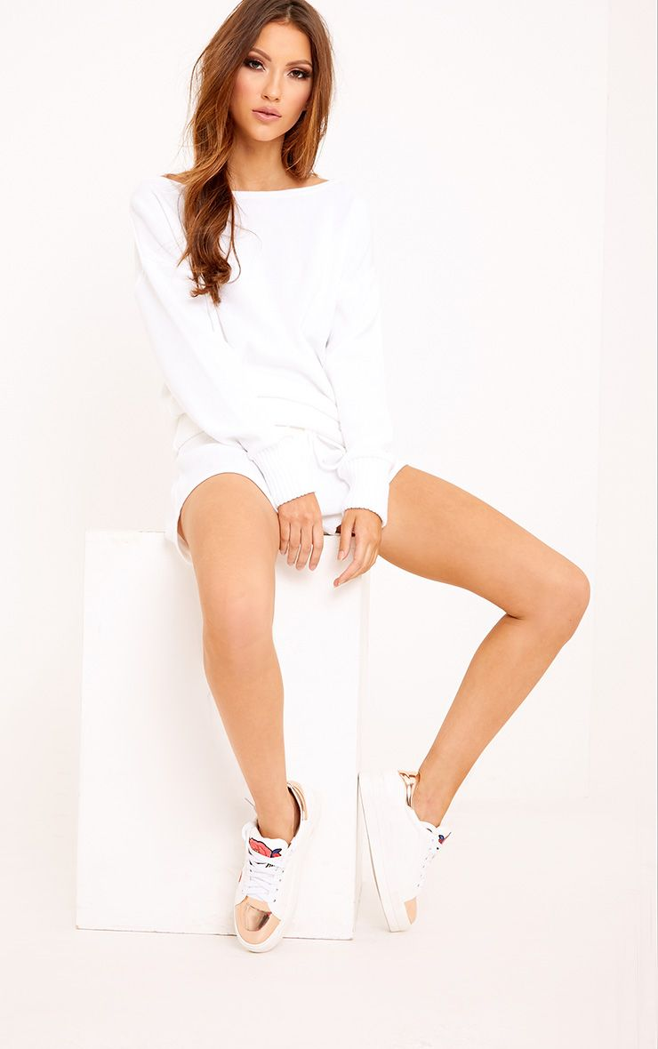 White Short and Jumper Knitted Lounge Set