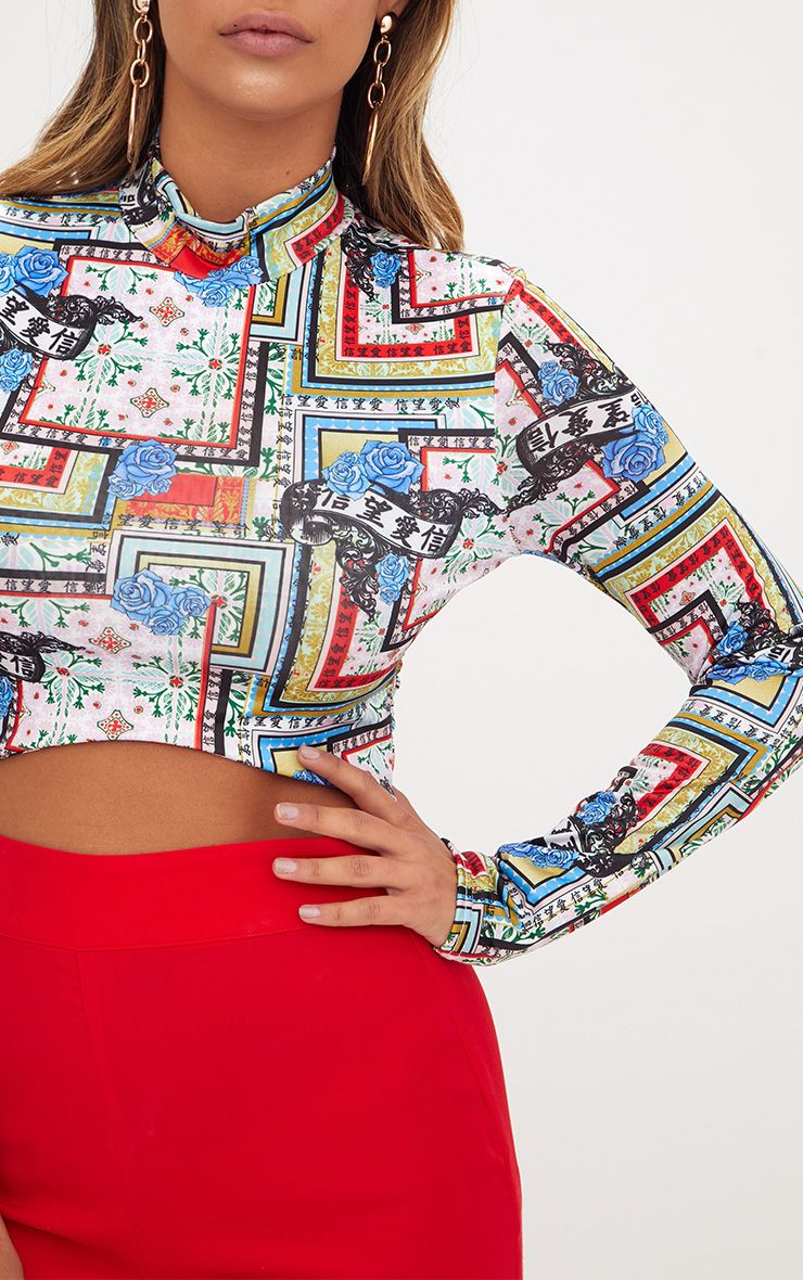 Blue Tile Print Curved Hem Longsleeve Crop Top ...