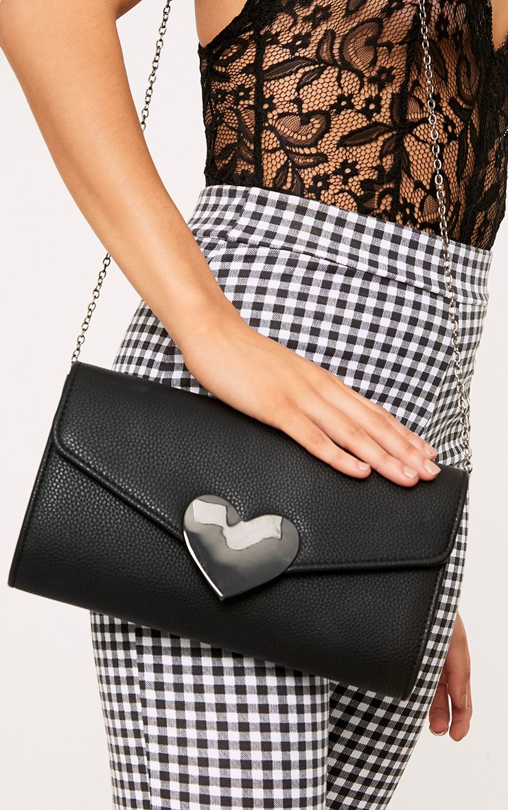 Black Heart Fasten Shoulder Bag