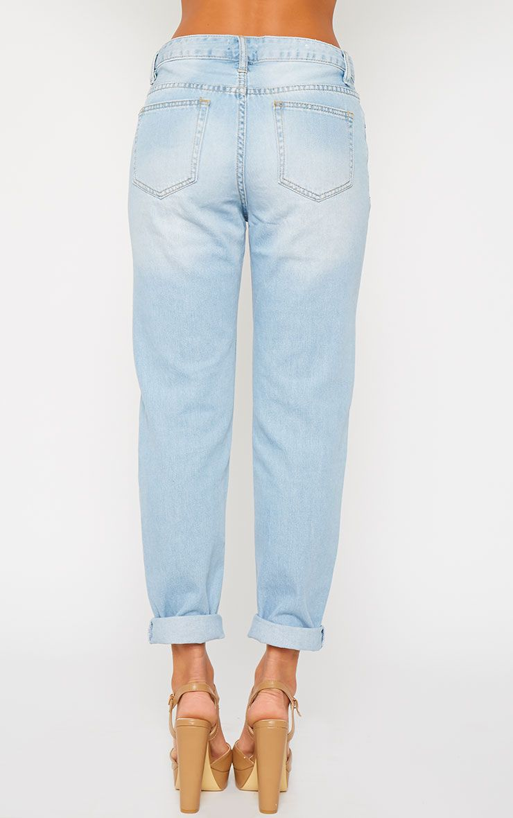 Shop womens jeans fits: Classic, skinny, slim, and plus size. Style: Acid wash, boyfriend, high waist, mom, ripped. Jeans in black, blue, or white.