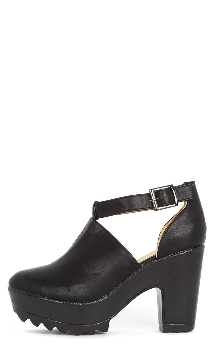 Dalia Black Strap Chunky Shoe  1