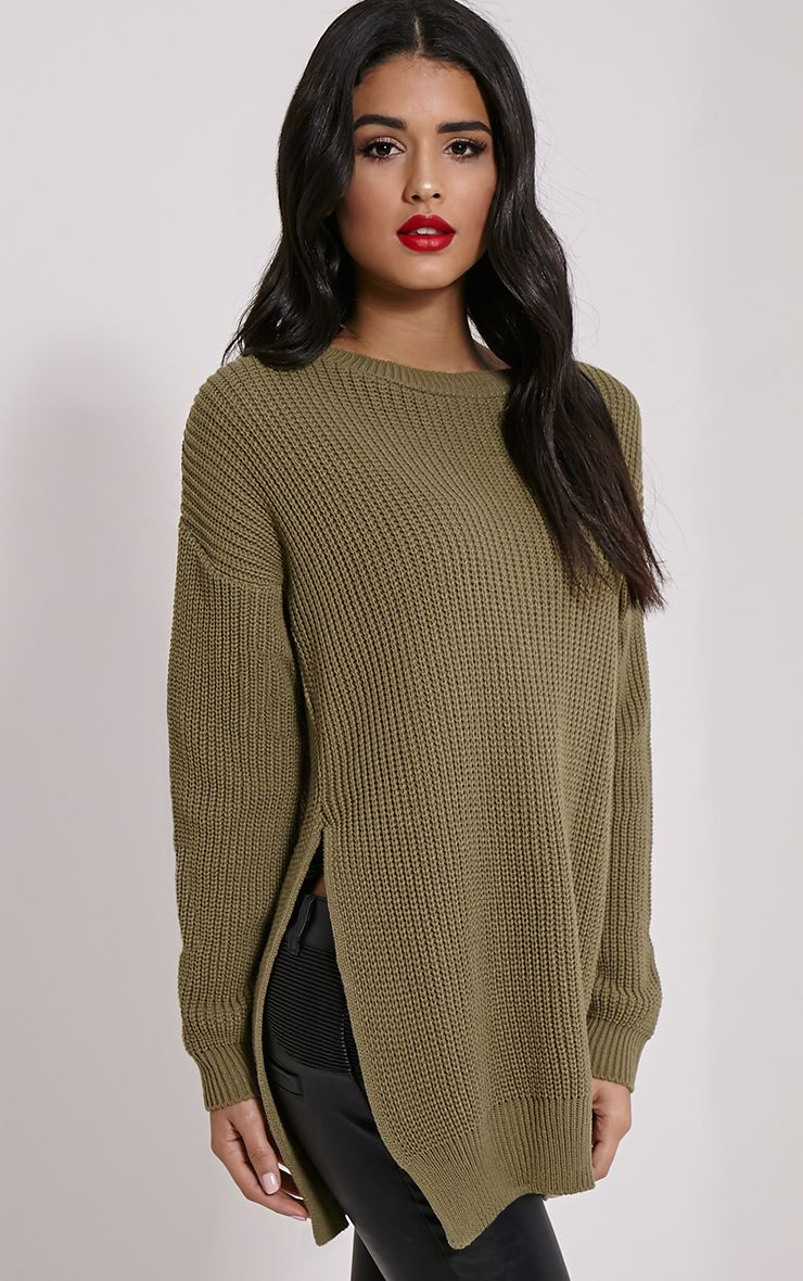 Jumpers & Sweaters Keep warm in style with boohoo's range of jumpers and sweaters, including cable knits, oversized and cropped jumpers. Browse all our styles and get yours now!