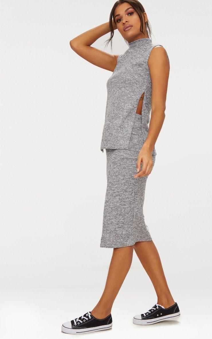 Ensemble gris avec jupe et haut col haut tricots - Ensemble jupe et haut habille ...