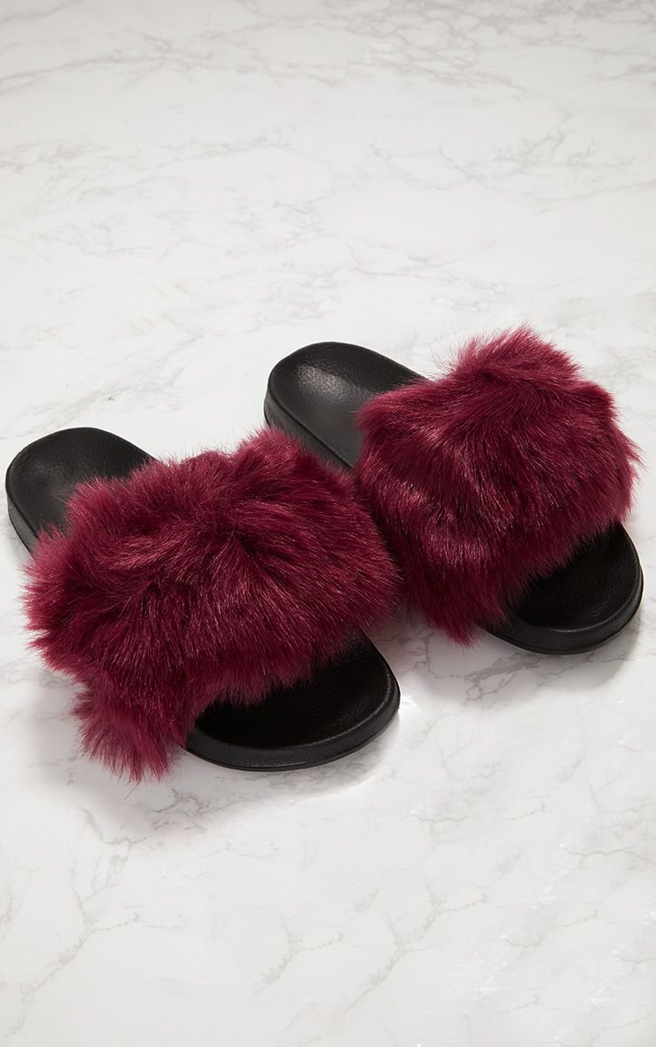 Burgundy Faux Fur Slider