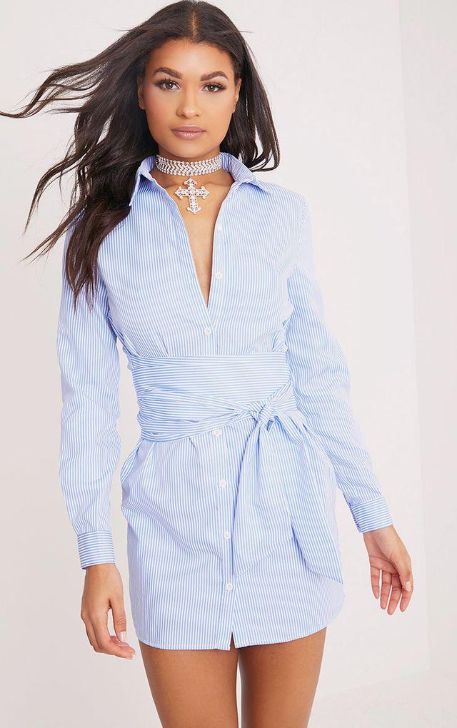 Marsie robe chemise nouée à la taille à fines rayures bleue