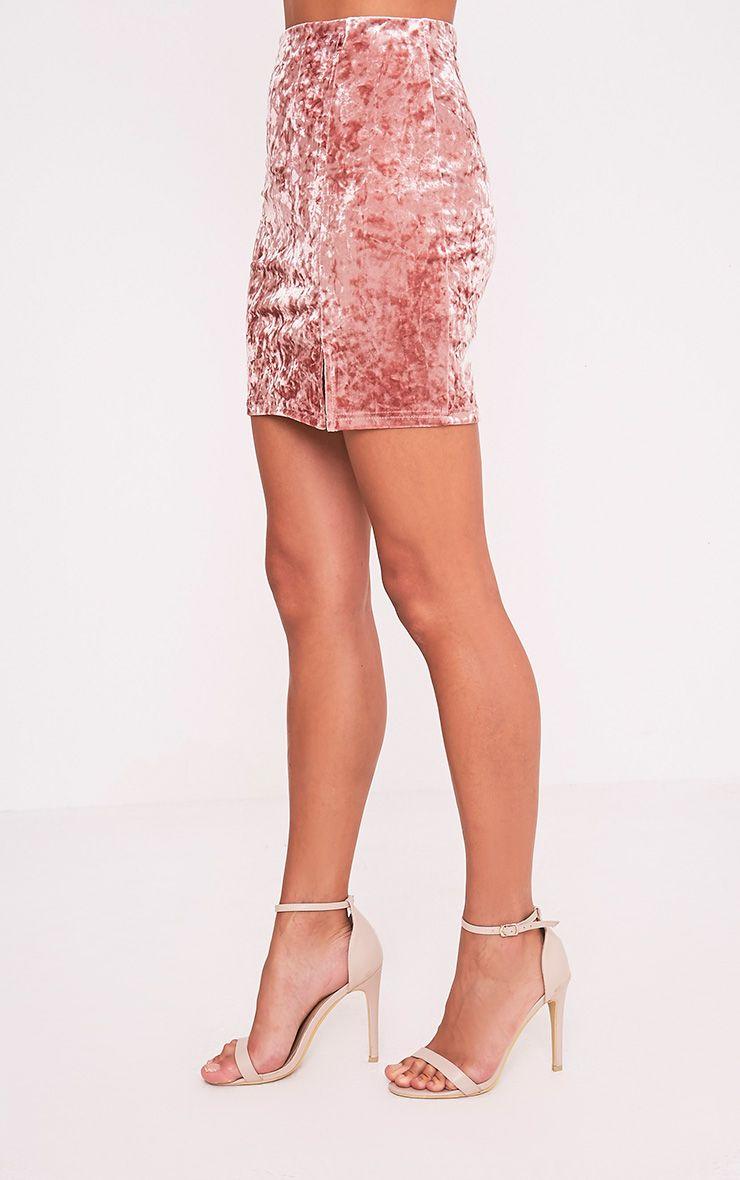 Sinead minijupe rose poudré fendue sur le côté en velours écrasé 4