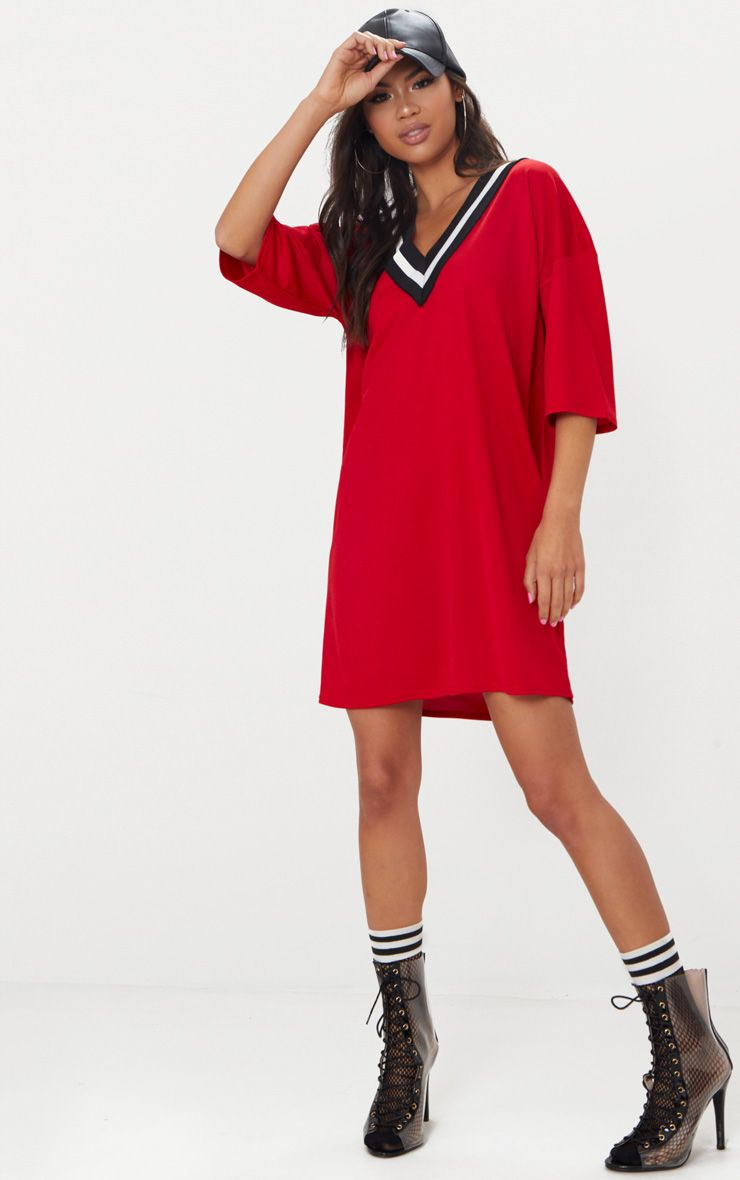 Red v neck sports trim t shirt dress prettylittlething for Sporty t shirt dress