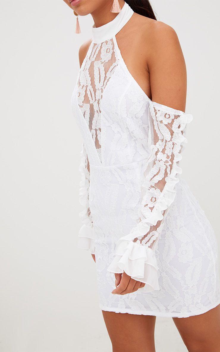 Robe moulante dos nu en dentelle blanche avec manches volants robes - Dos nu dentelle ...