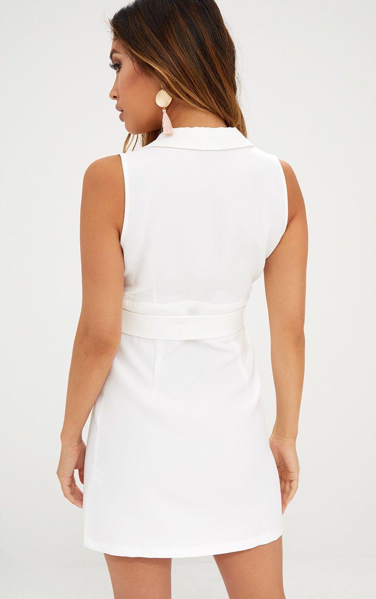 robe blazer sans manches nou e la taille blanche robes. Black Bedroom Furniture Sets. Home Design Ideas