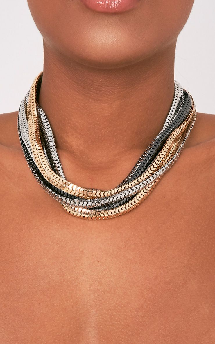 Saca Multi Metallic Layered Choker