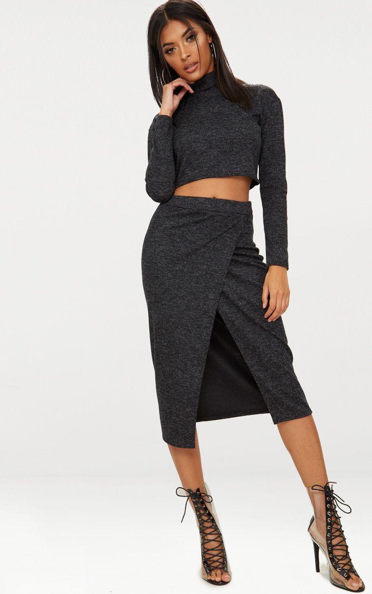 ensemble anthracite avec jupe et haut col roul tricots. Black Bedroom Furniture Sets. Home Design Ideas