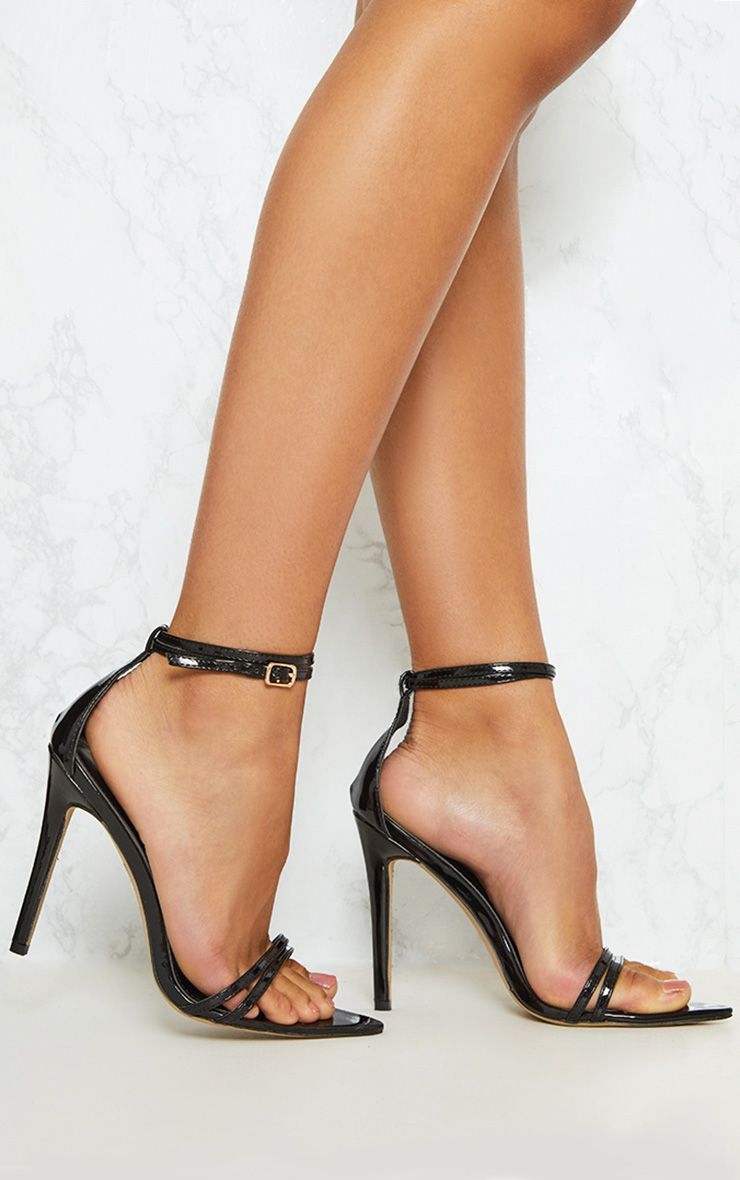 Sandales pointues noires très discrètes