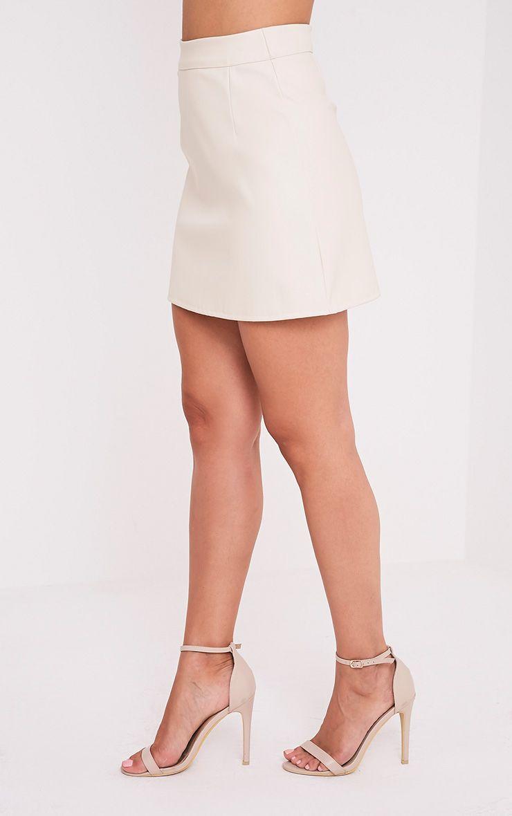Rose jupe mini trapèze crème imitation cuir à bandes 3