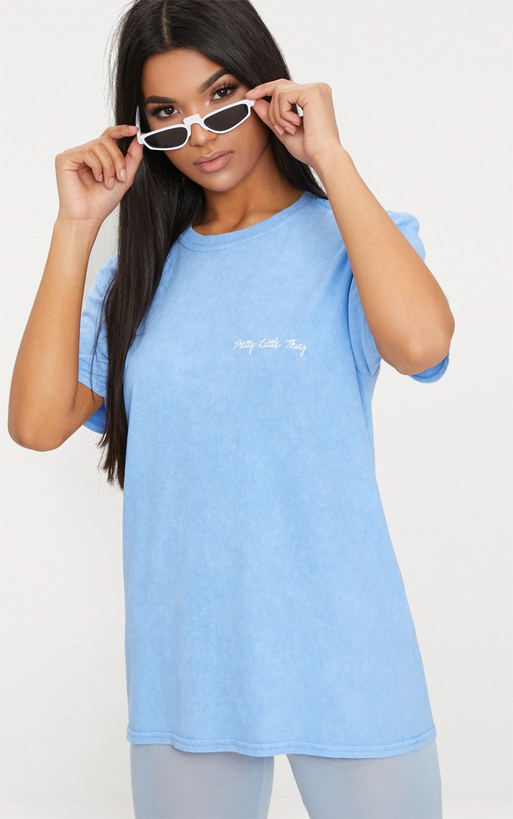 T-shirt oversized bleu poudré à slogan PrettyLittleThing
