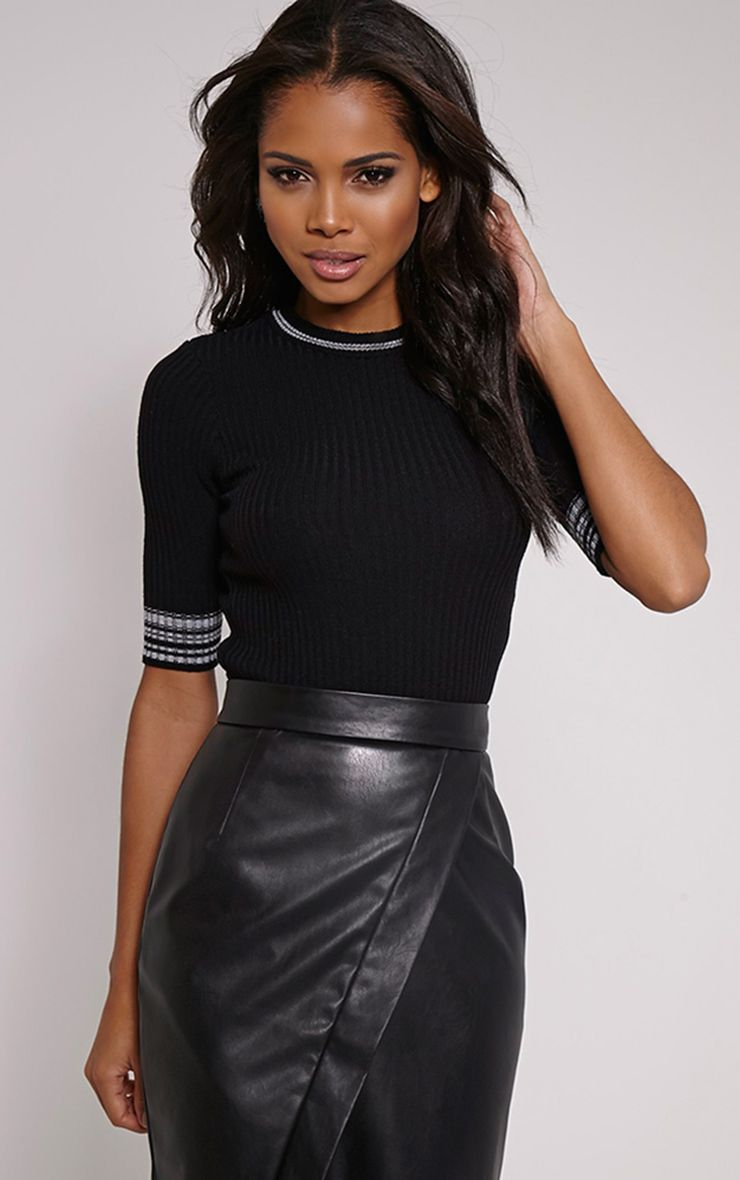 Sarha Black Cropped Knitted Jumper 1