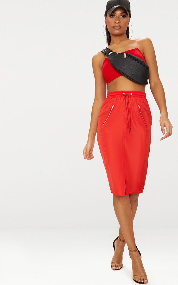 Jupe mi-longue rouge à cordon ajustable