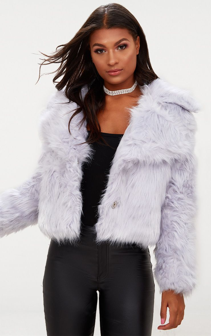 Find the perfect cover up with our classy collection of trend led coats and casual jackets right here at Missguided. From the love-forever biker jacket and the never fail trench coats to faux fur vests and the ever so coveted cocoon coat shape, we have something for any style right here.