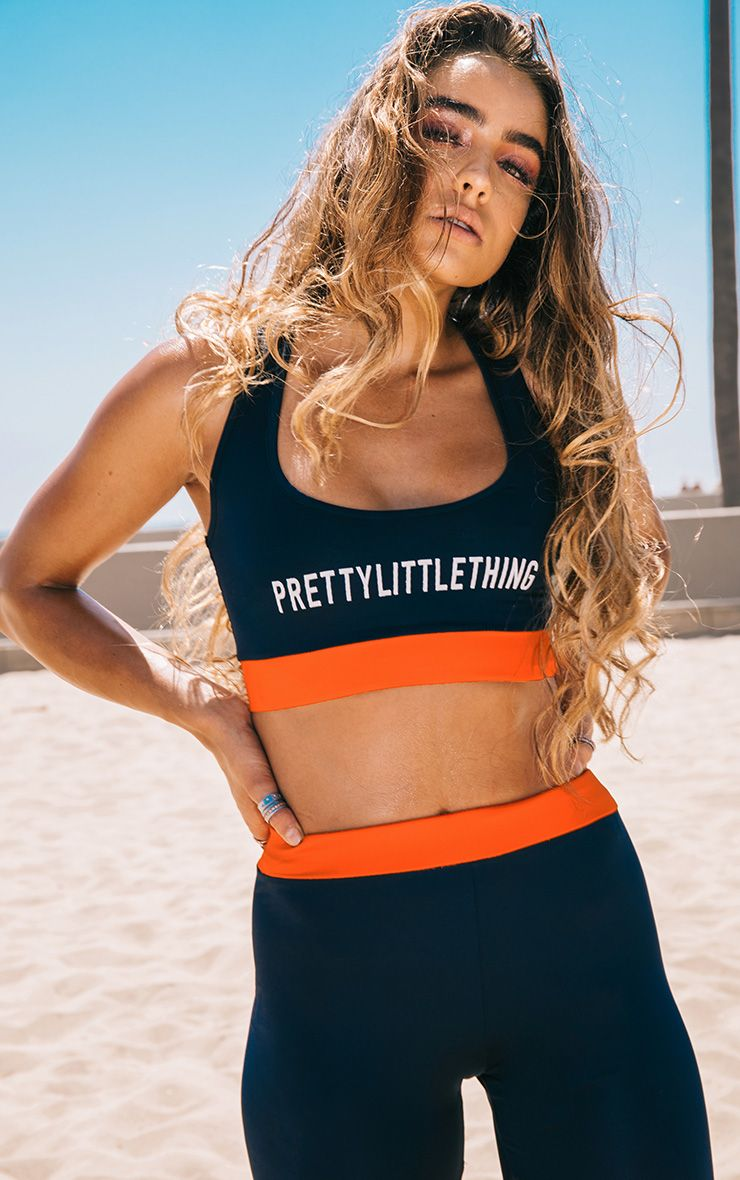PrettyLittleThing Navy Crop Top
