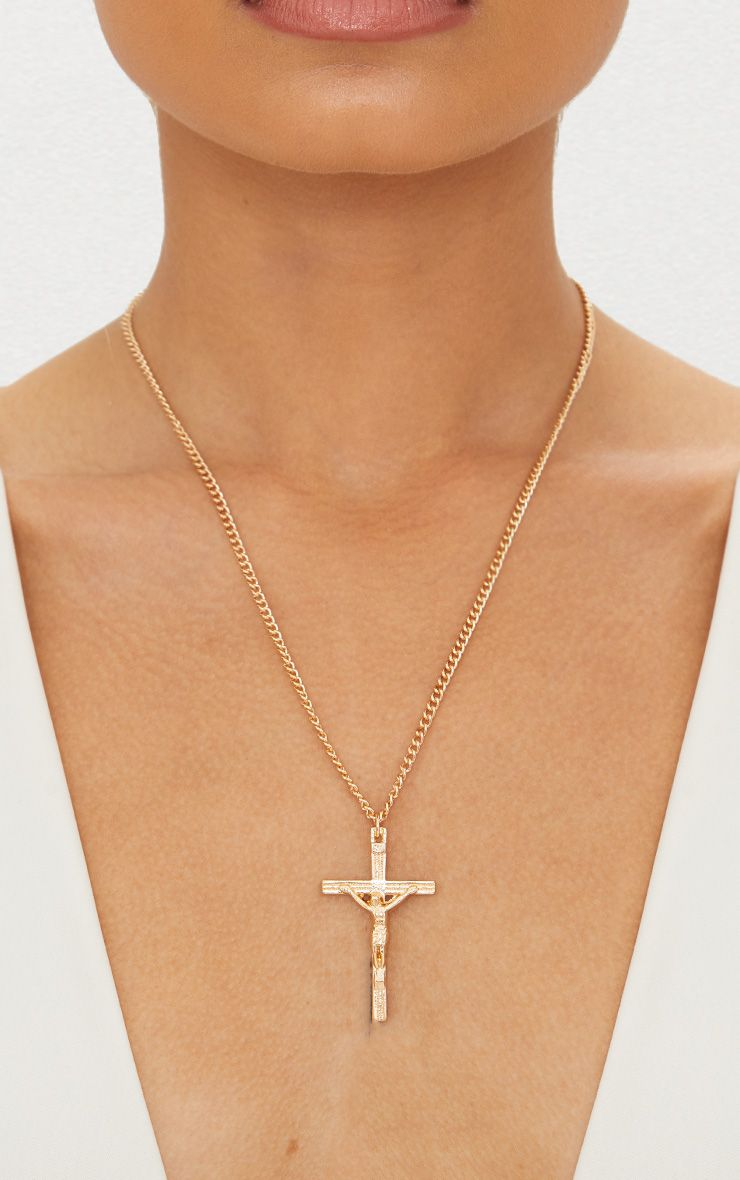 Gold renaissance large cross pendant necklace prettylittlething mozeypictures Image collections