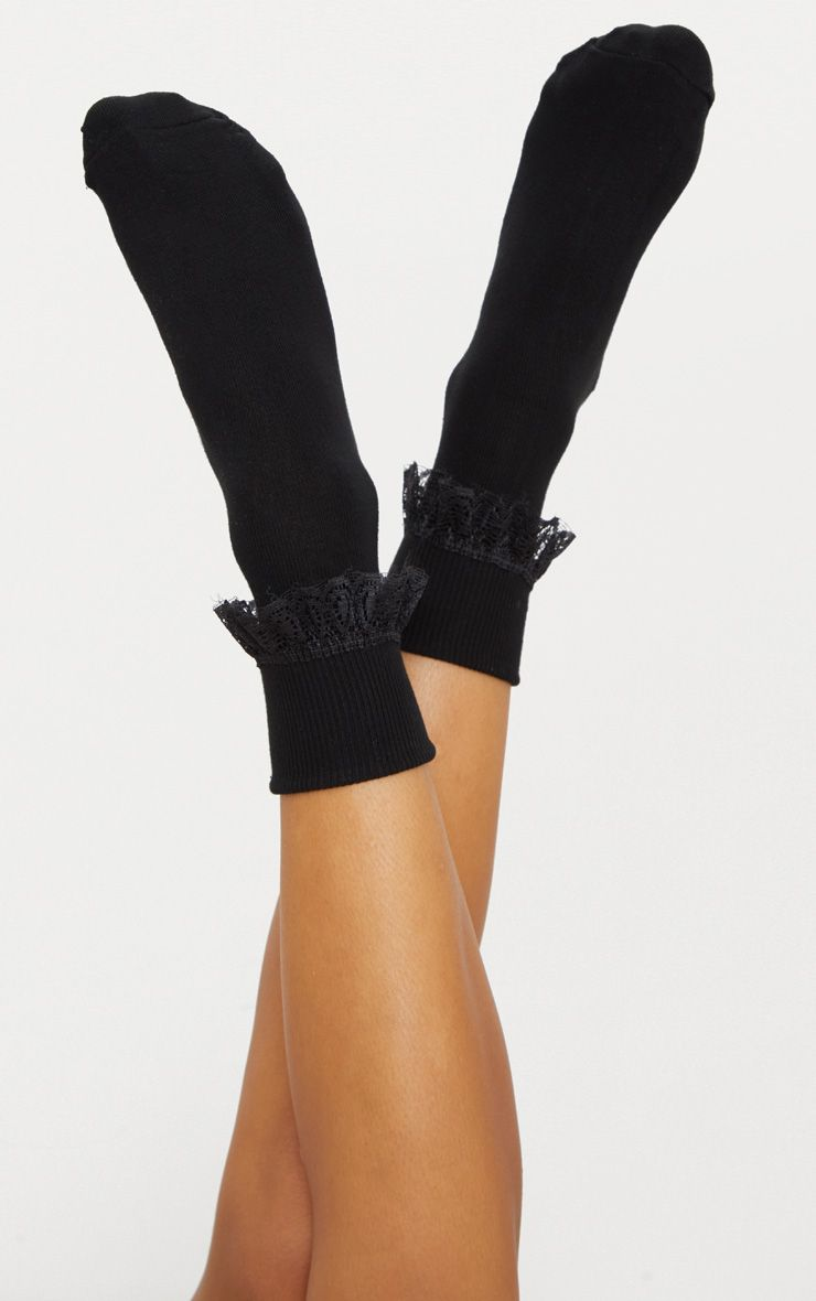 Black Lace Frill Ankle Socks 1