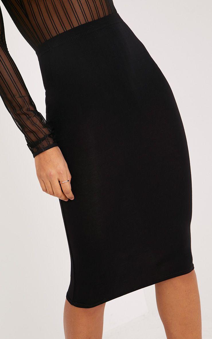 basic jupe midi noire jupes prettylittlething. Black Bedroom Furniture Sets. Home Design Ideas