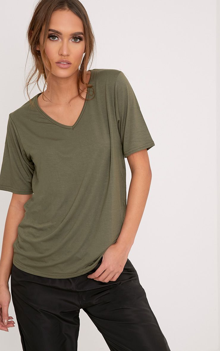 Basic Khaki V-Neck Oversized T-Shirt 1
