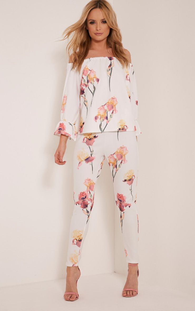 Natillia Cream Floral Print Cropped Trousers 1