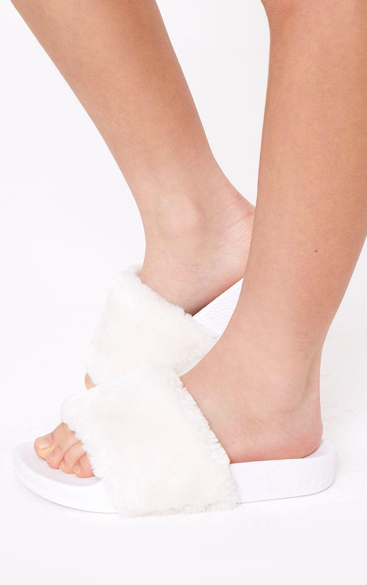 White Fur Sliders