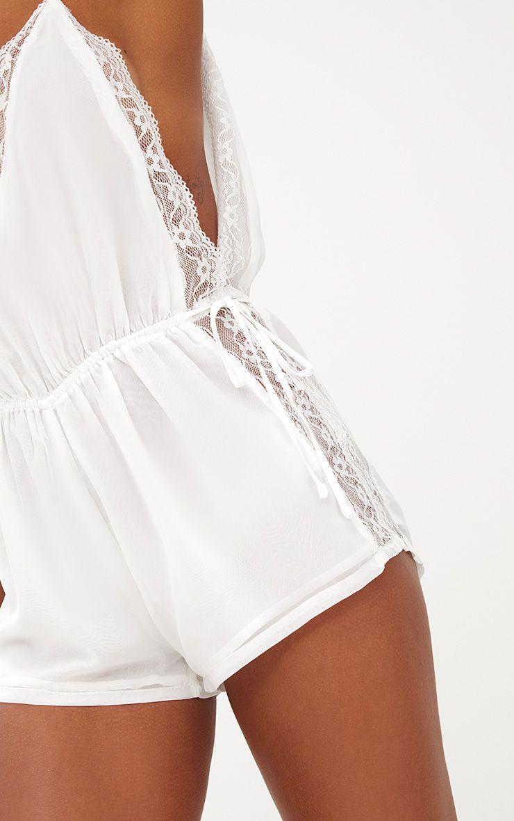 nuisette blanche en mousseline avec parties en dentelle lingerie. Black Bedroom Furniture Sets. Home Design Ideas
