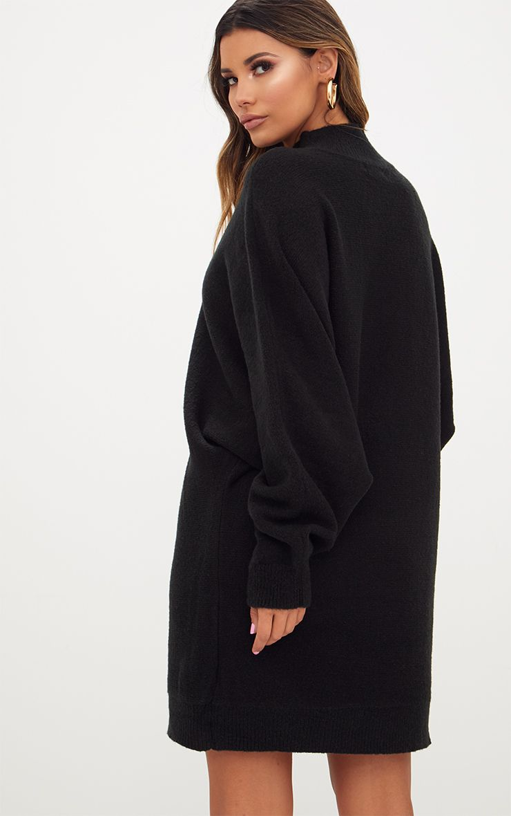 robe pull oversized noire robes. Black Bedroom Furniture Sets. Home Design Ideas