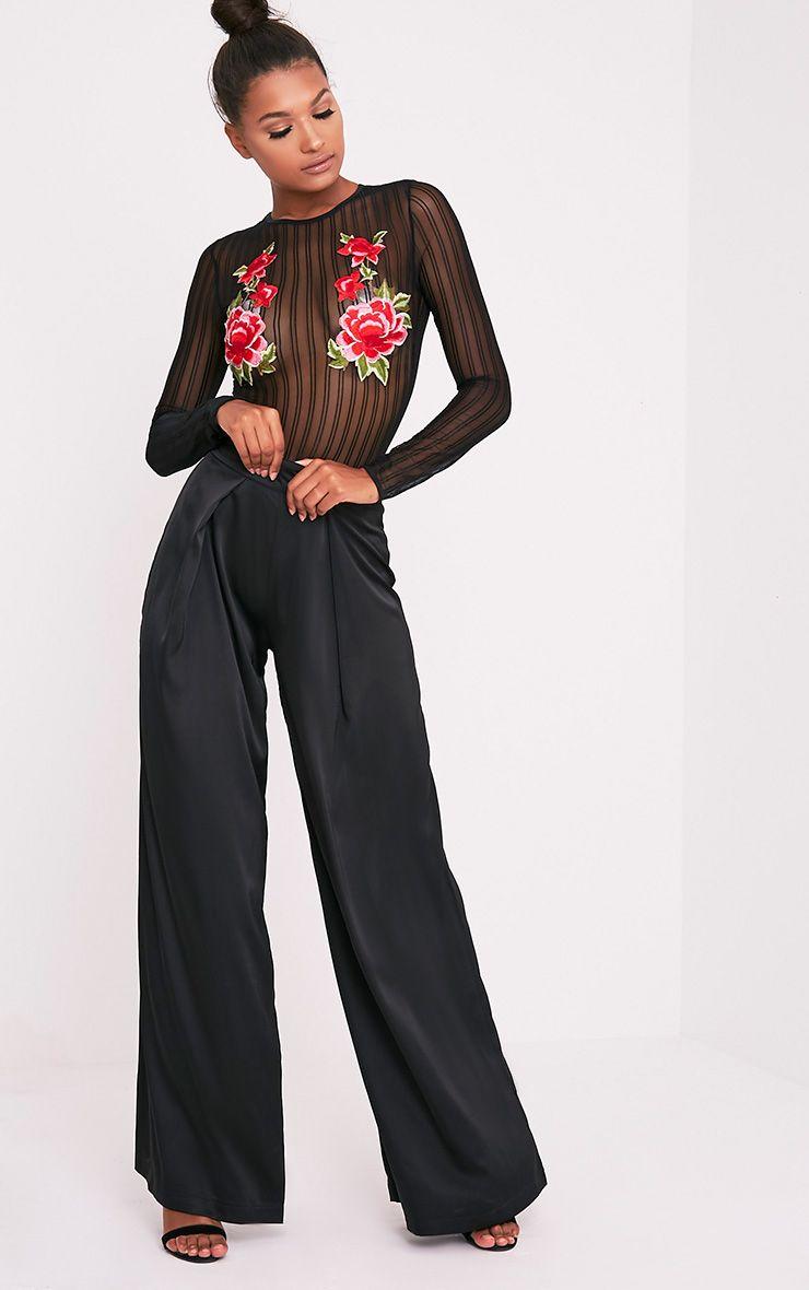 Evadine body-string noir en tulle à roses brodées 6