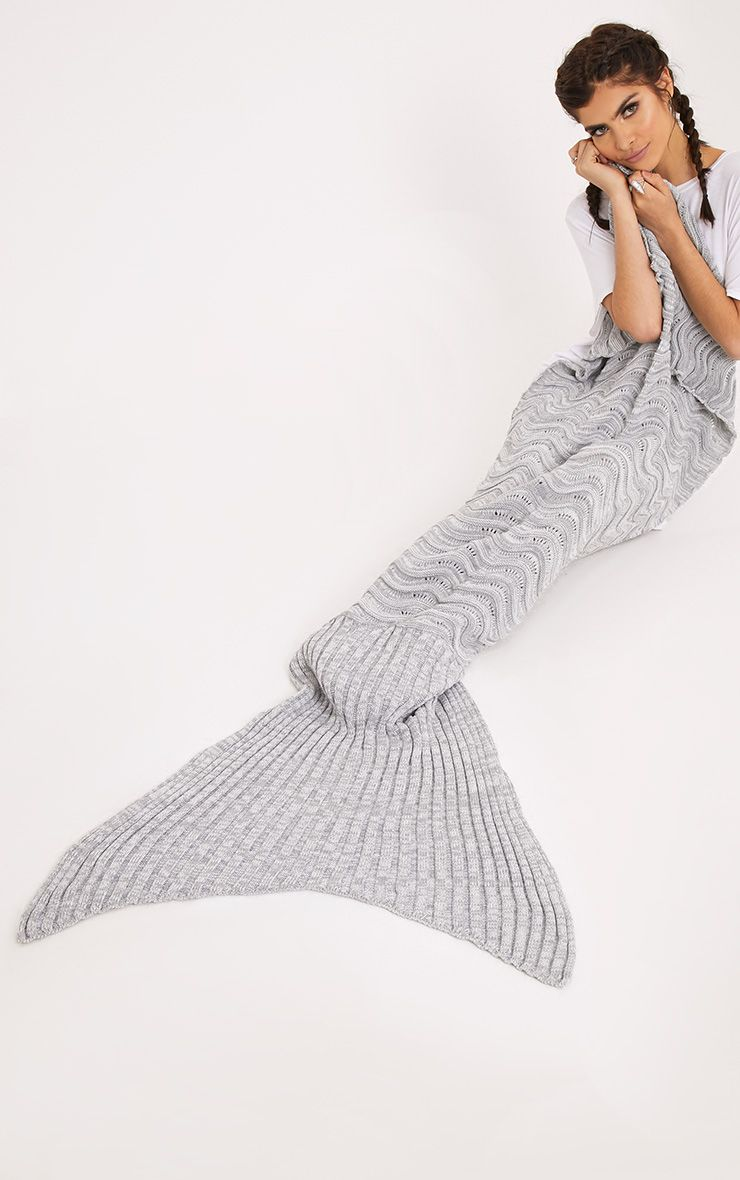 Grey Waved Mermaid Blanket