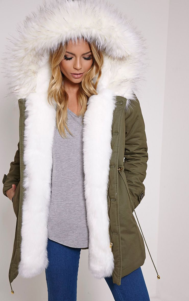 Parka jacket with fur lining