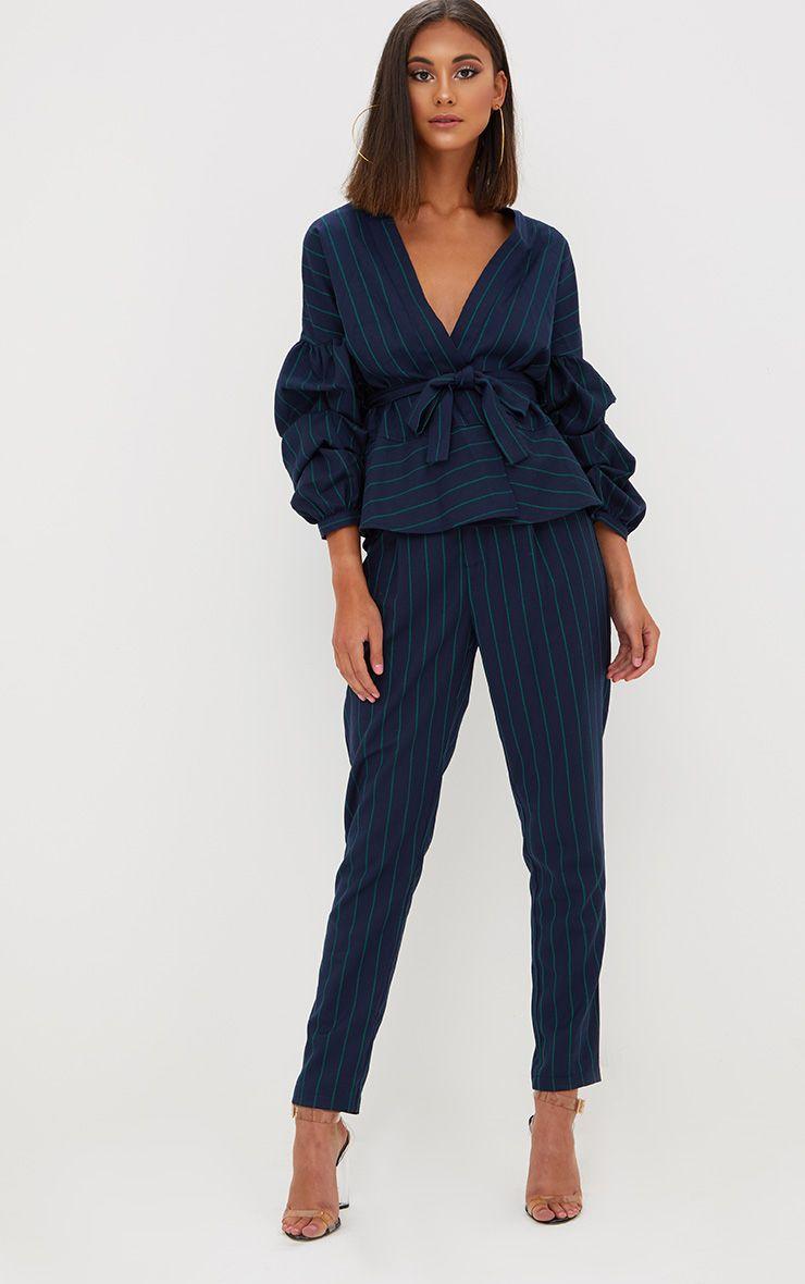 Pantalon ajusté bleu marine à fines rayures 1