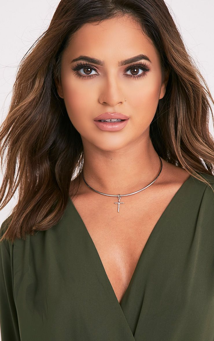 Tamika Silver Metal Cross Choker