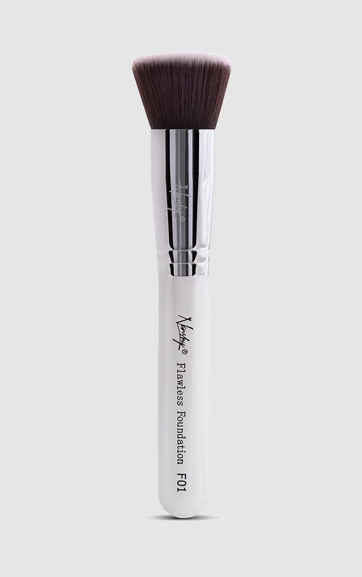 Nanshy Flawless Foundation Pearlescent White Flat Top Brush  1
