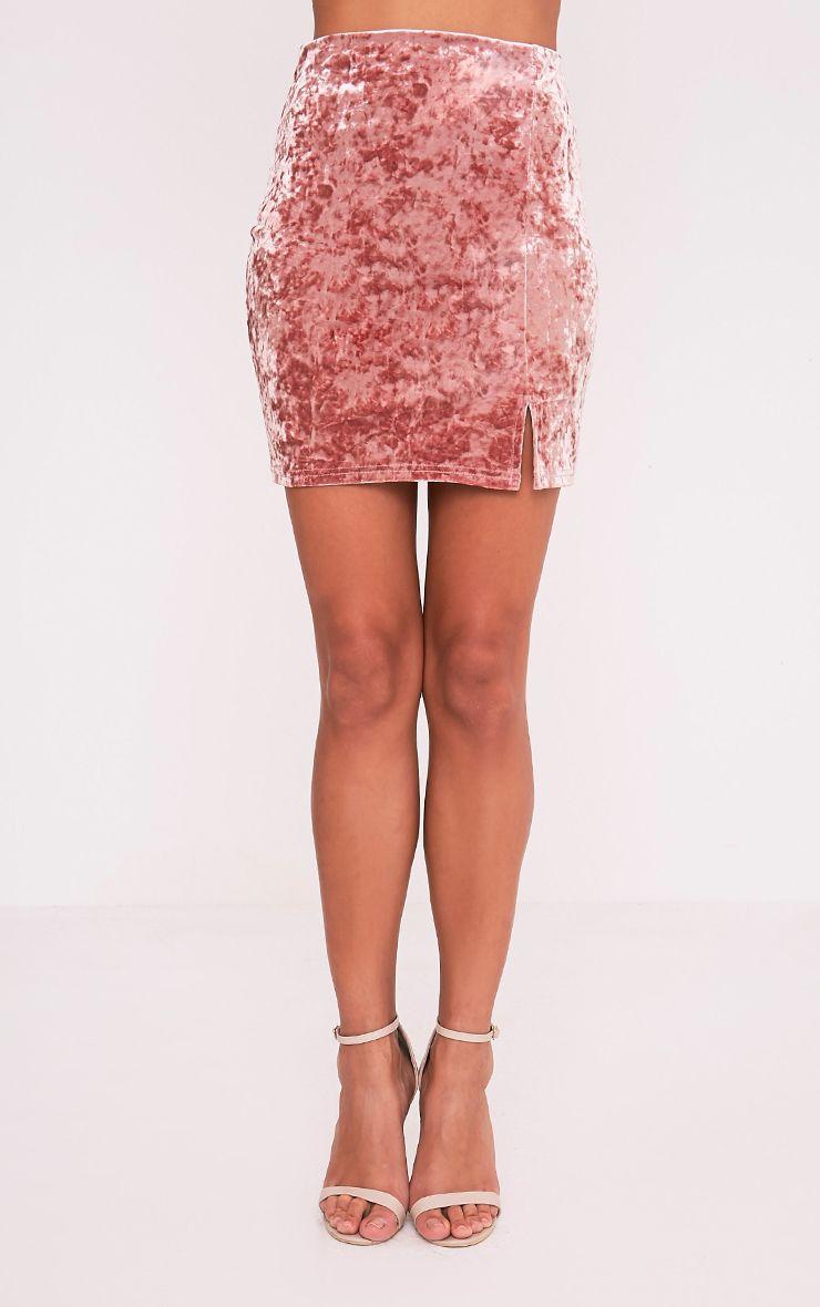 Sinead minijupe rose poudré fendue sur le côté en velours écrasé 2