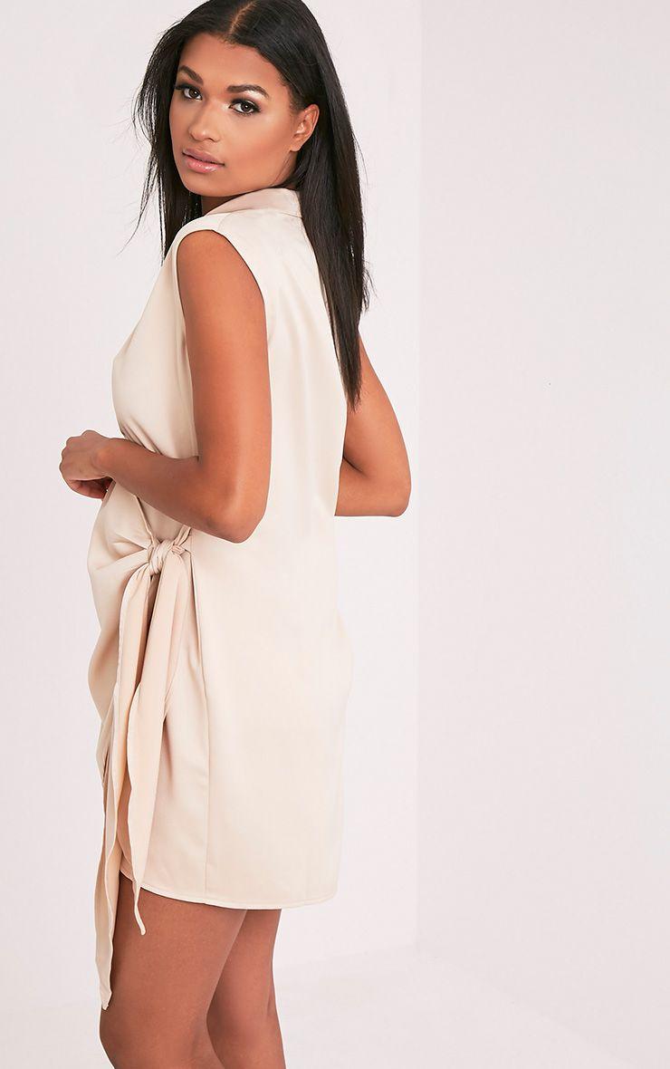 Shaylene robe chemise satinée nouée sur le côté sans manches champagne 4