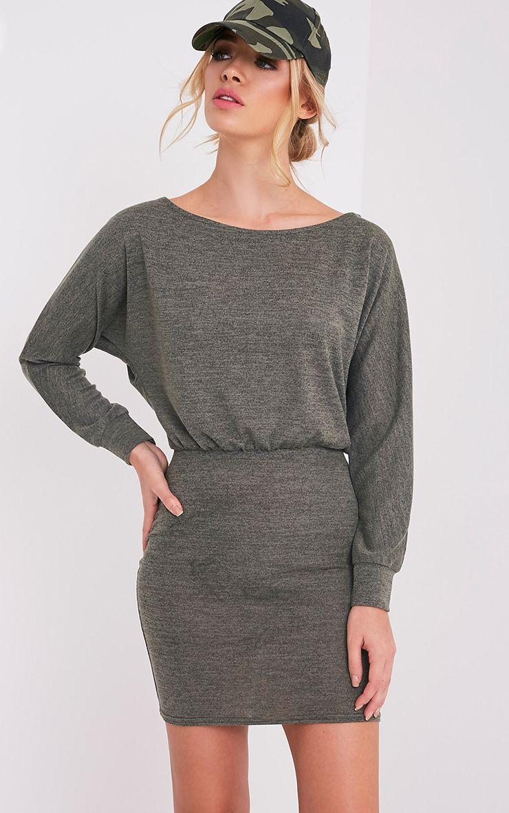 Lerie robe en tricot ajustée à la taille kaki 1