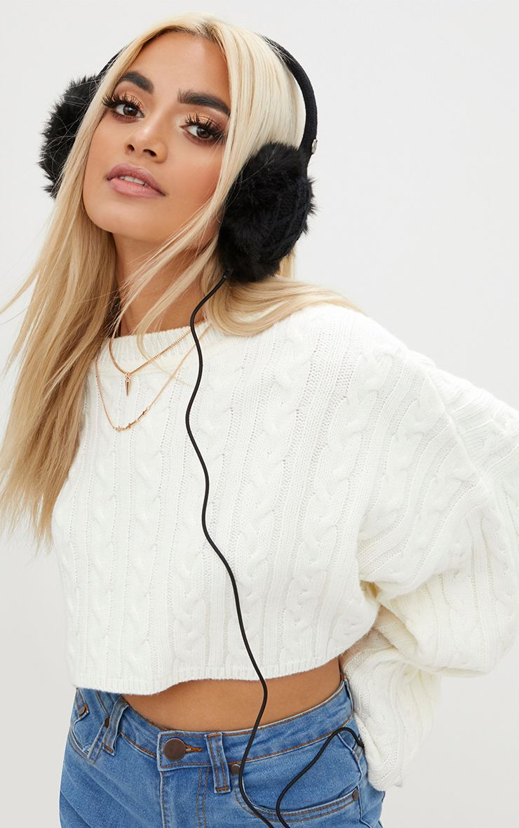 Black Cable Knit Built-in Headphones Ear Muffs 1