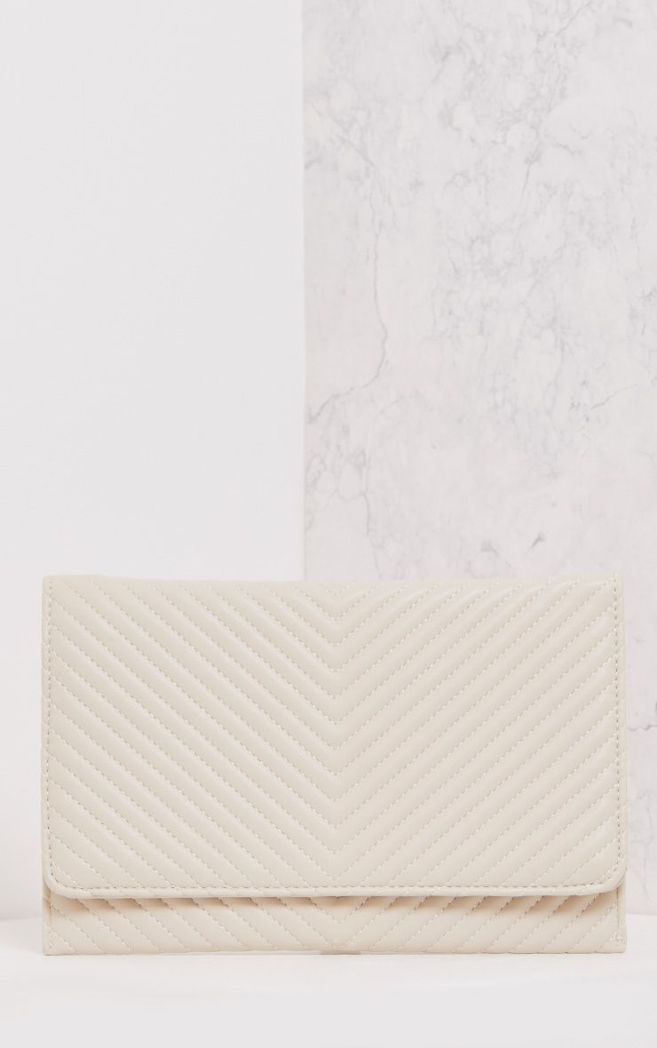 Chanile Cream Textured Quilted Clutch