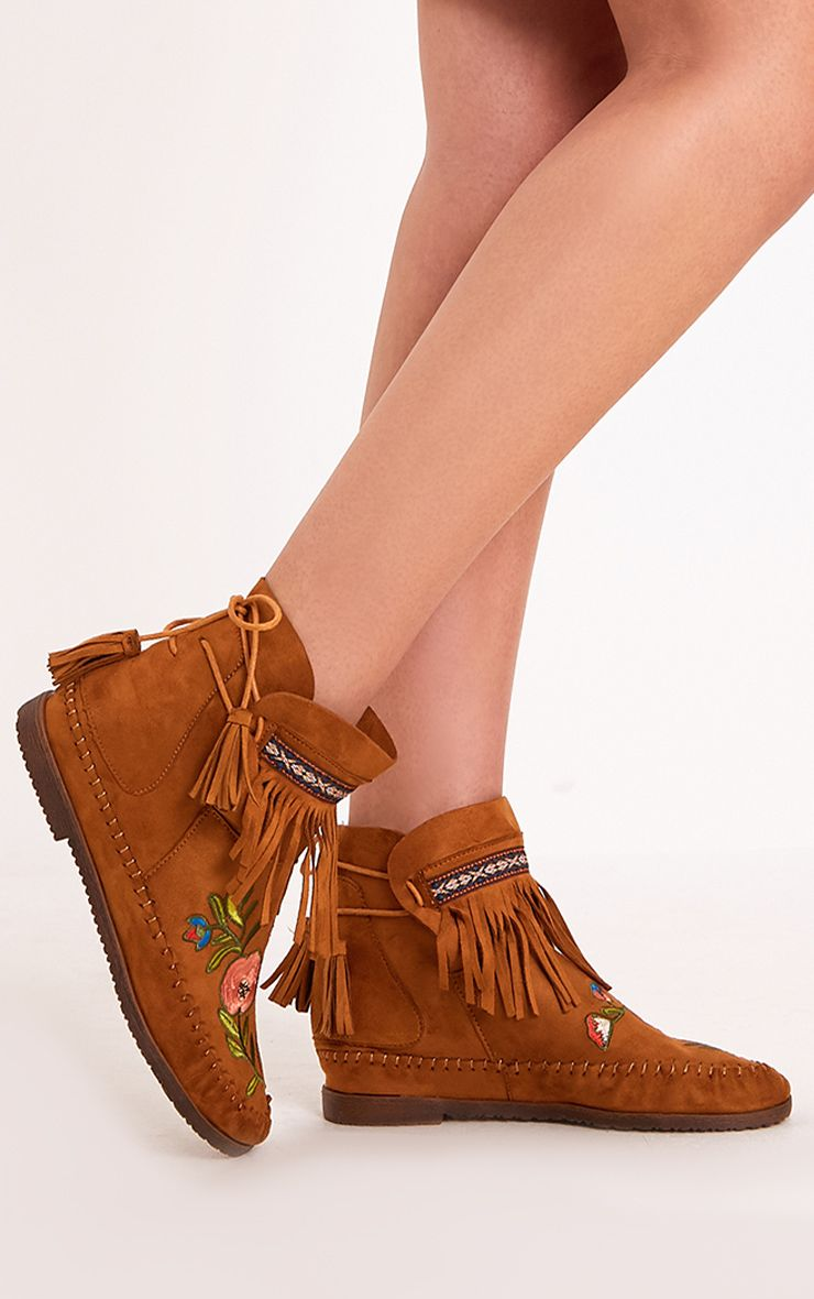 Saz Tan Embroidered Fringed Boots