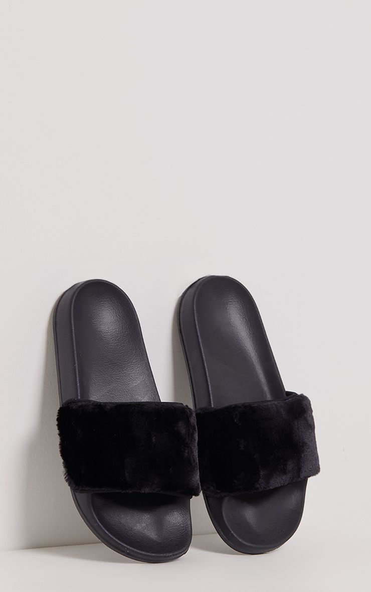 Robynn Black Fluffy Sliders
