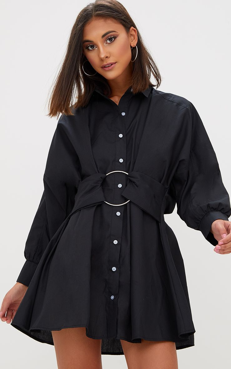 Robe chemise noire anneau à la taille