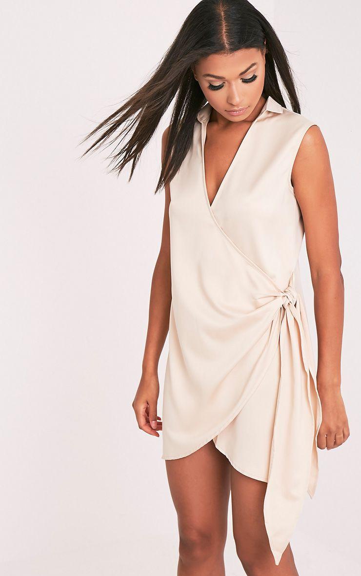 Shaylene robe chemise satinée nouée sur le côté sans manches champagne 1