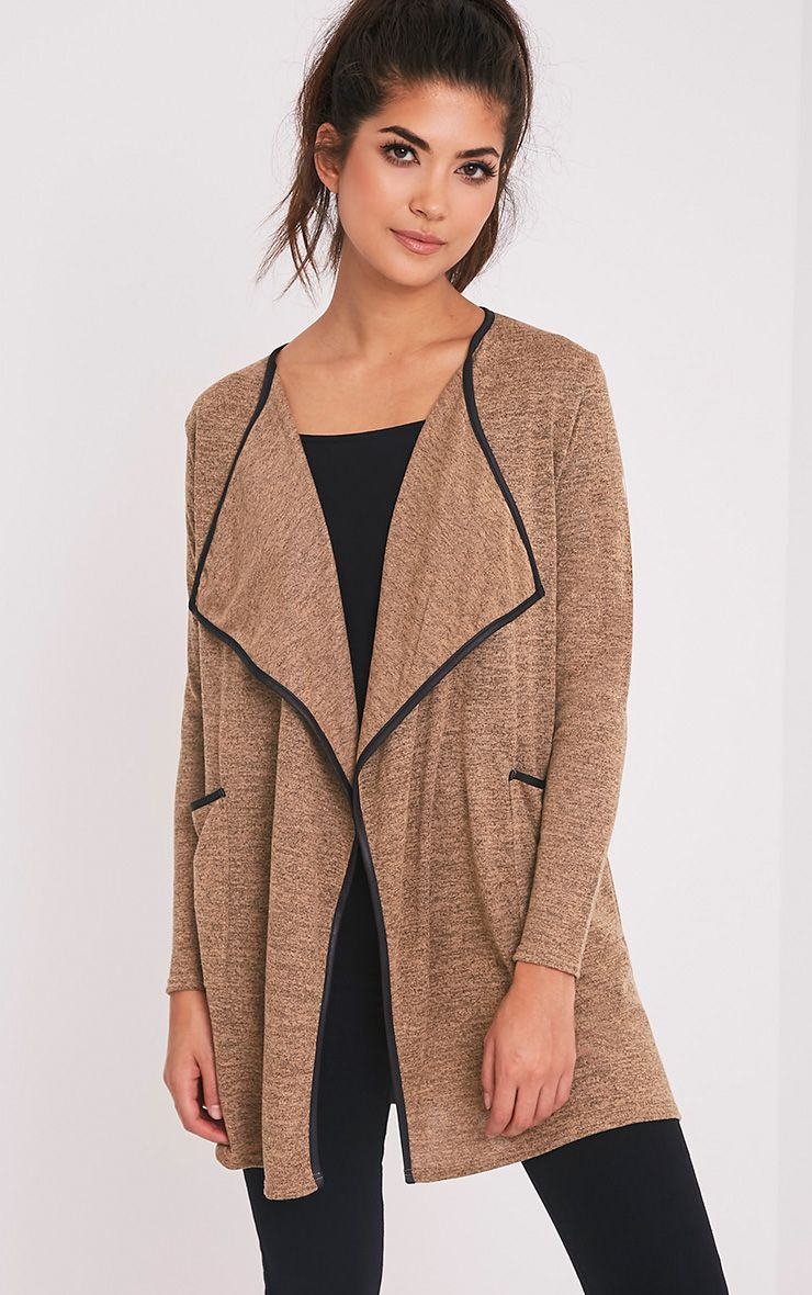 Carrissa cardigan à bords en cuir synthétique camel 1